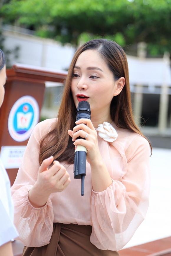 lan phương, ngày nhà giáo Việt Nam, sao Việt