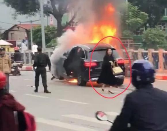 nữ tài xế, xe Mercedes, tai nạn giao thông, lái xe, giày cao gót