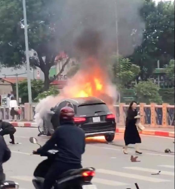 Mercedes GLC2, tai nạn giao thông, nữ tài xế