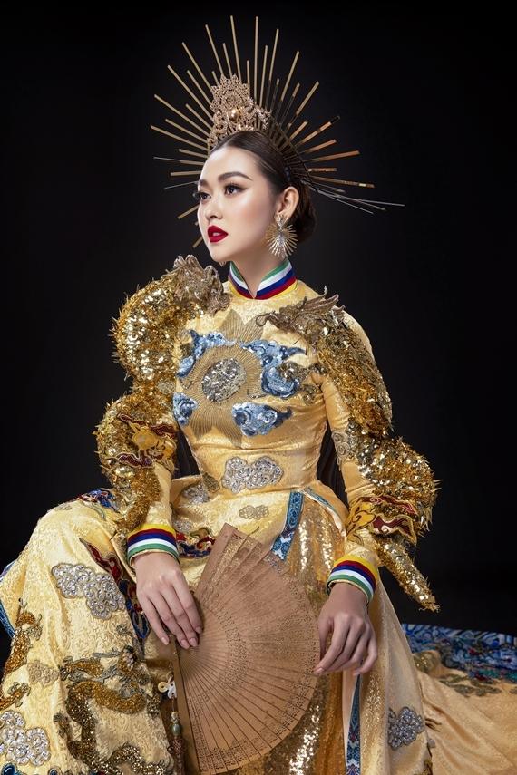 Bùi Phương Nga, Minh Tú, Trang phụ dân tộc