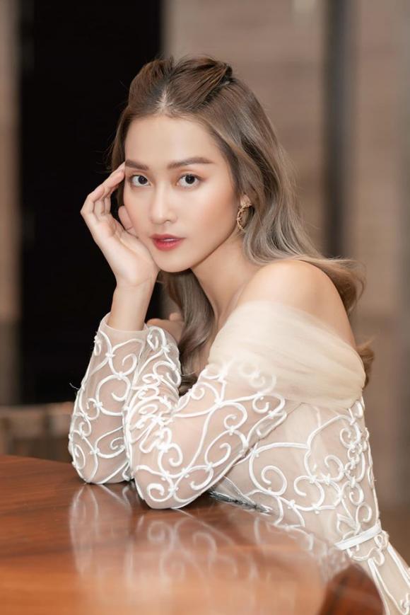Mai Phương Thuý, Khả Ngân, sao Việt