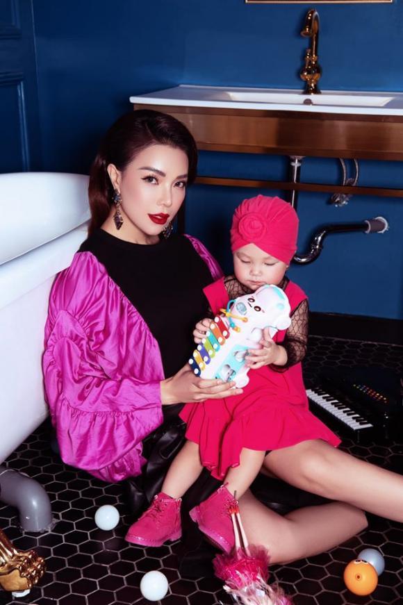 Nối gót siêu mẫu Hà Anh, Trà Ngọc Hằng đăng đàn thanh lý những set đồ cực chất của con gái