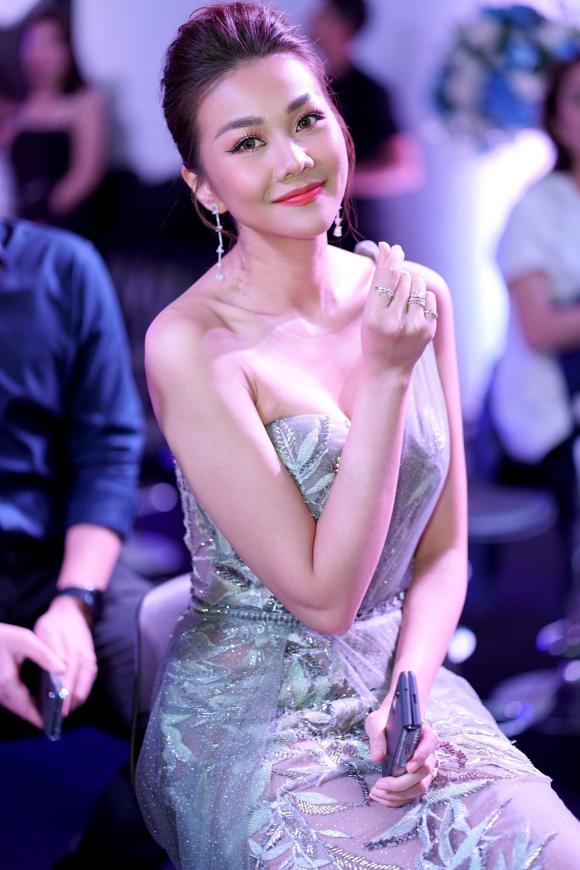 Siêu mẫu Thanh Hằng, sao Việt