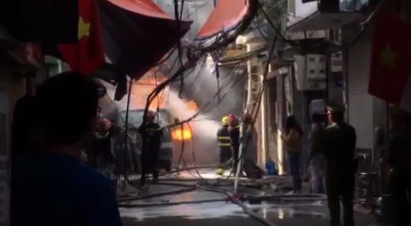 Cháy nhà, gas phát nổ gây cháy, hỏa hoạn