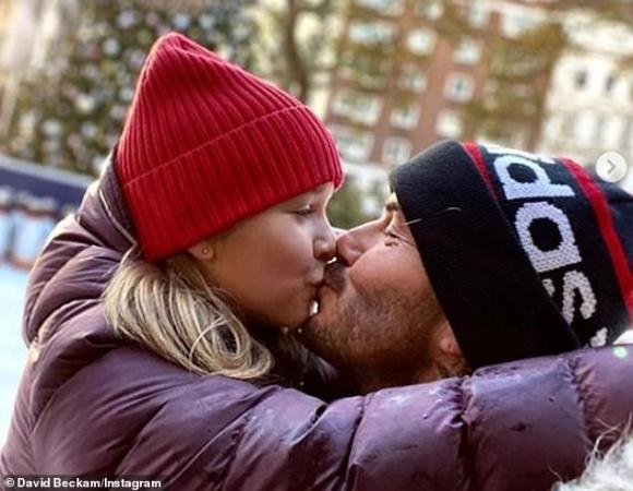 harper seven, david beckham, hôn môi, sao hollywood