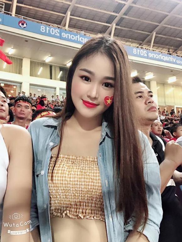 Hoàng Đức, Linh Trang, U22 Việt Nam