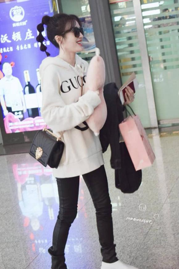 tần lam, diên hi công lược,  thời trang sân bay, mặc lại đồ, sao hoa ngữ