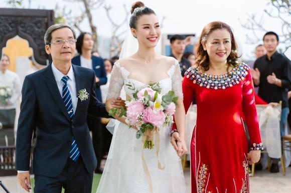 ,MC Hoàng Oanh, á hậu Hoàng Oanh, sao Việt