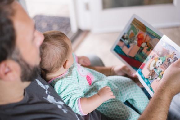 chăm sóc trẻ nhỏ, lưu ý khi chăm sóc trẻ, những điều cha cần làm để gắn kết trẻ