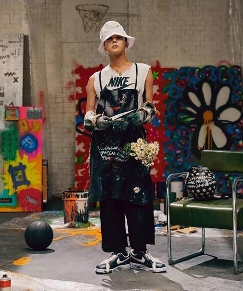 giày hoa cúc, giày của G-Dragon, sao Việt