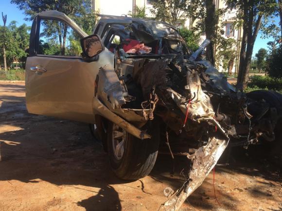 Tai nạn giao thông, tai nạn chết người, xe bán tải đâm xe tải