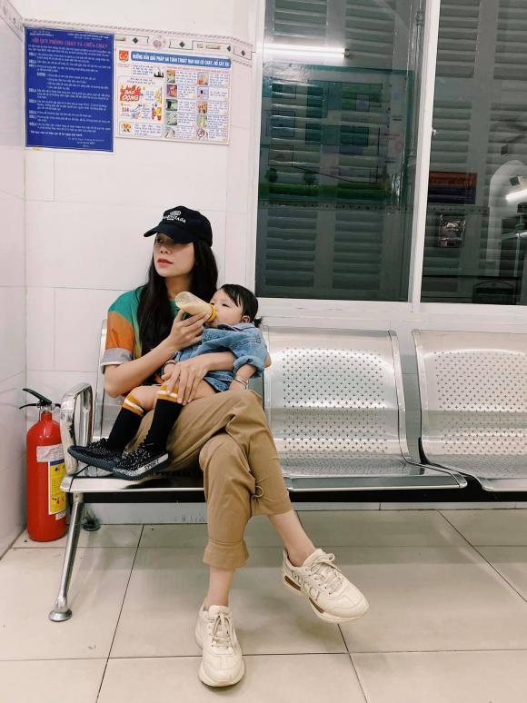 người mẫu Trà Ngọc Hằng, sao Việt