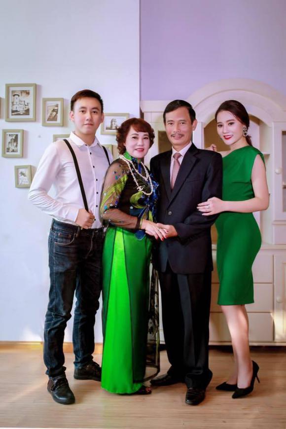 diễn viên Phương Oanh, Phương Oanh, em trai Phương Oanh