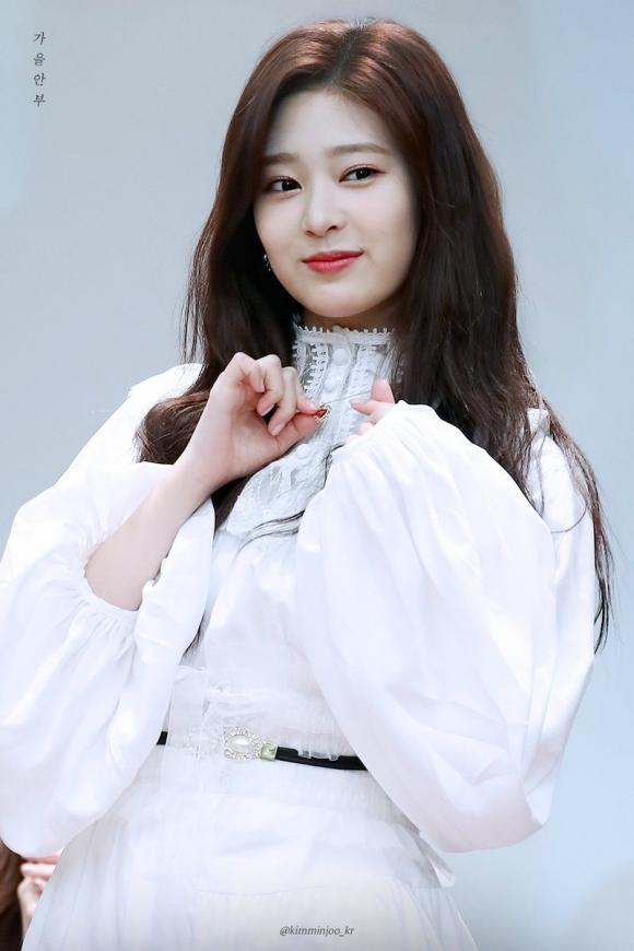 idol hàn sinh năm 2001, sao hàn sinh năm 2001, somi
