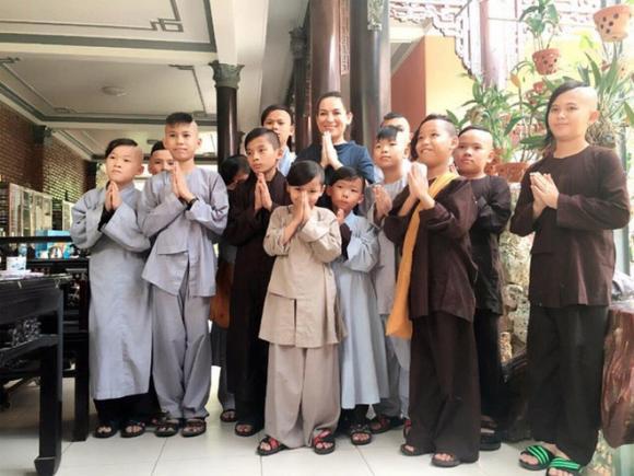 Phi Nhung, con ruột Phi Nhung, sao Việt