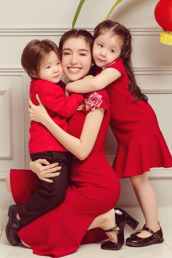 Elly Trần, Elly Trần và hai con, sao việt