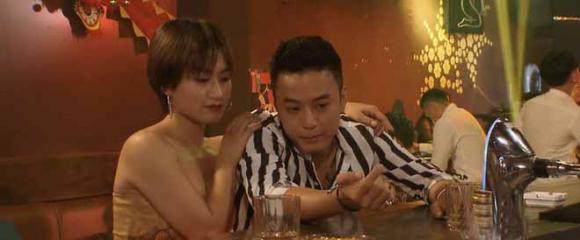 Hoa hồng trên ngực trái, sạn Hoa hồng trên ngực trái, phim Việt