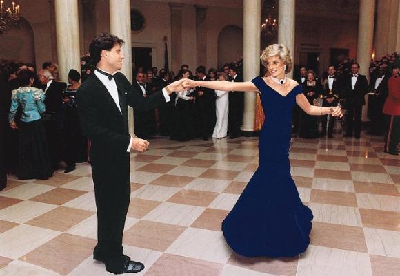 đấu giá váy Công nương Diana,Công nương Diana,bộ váy dạ hội trứ danh của Công nương Diana