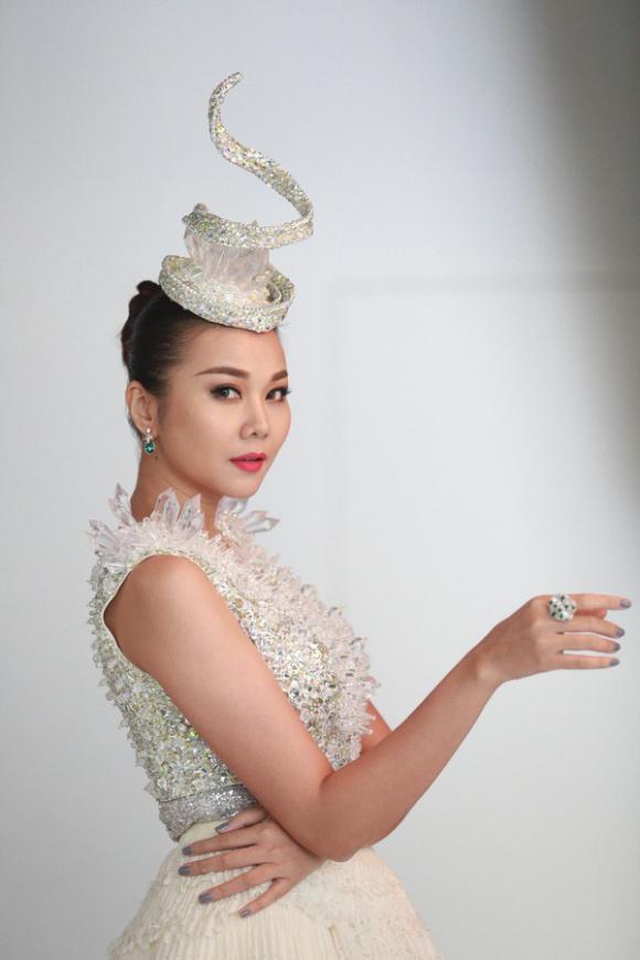 Thanh hằng, Chi Pu, Sao Việt