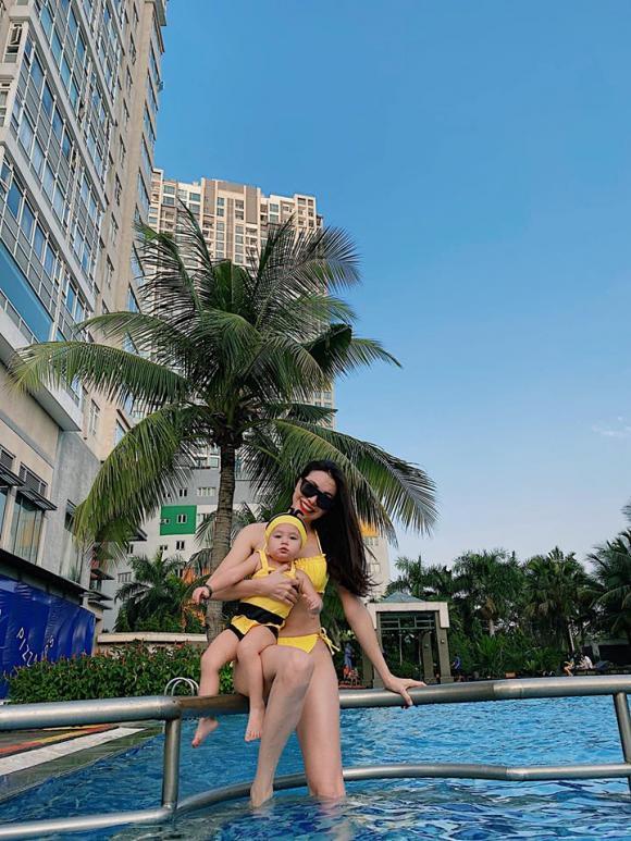 Trà Ngọc Hằng, Trà Ngọc Hằng bikini, sao Việt