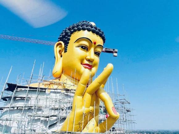 Chiêm ngưỡng đại tượng Phật A Di Đà vì hòa bình thế giới lớn nhất Đông Nam Á ngay tại Hà Nội