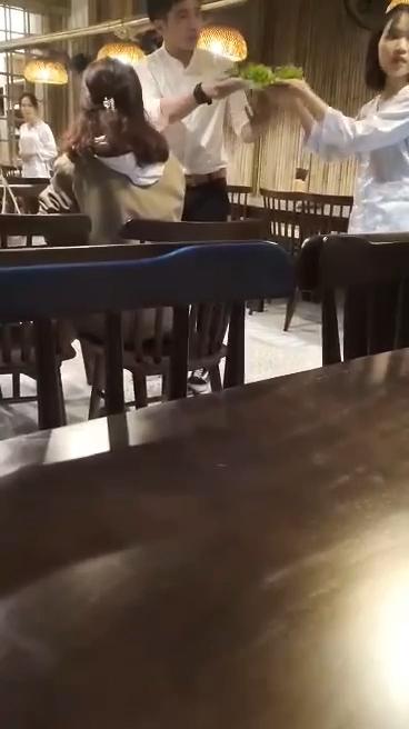 Gái xinh, nhân viên, phục vụ bàn, Đà Nẵng