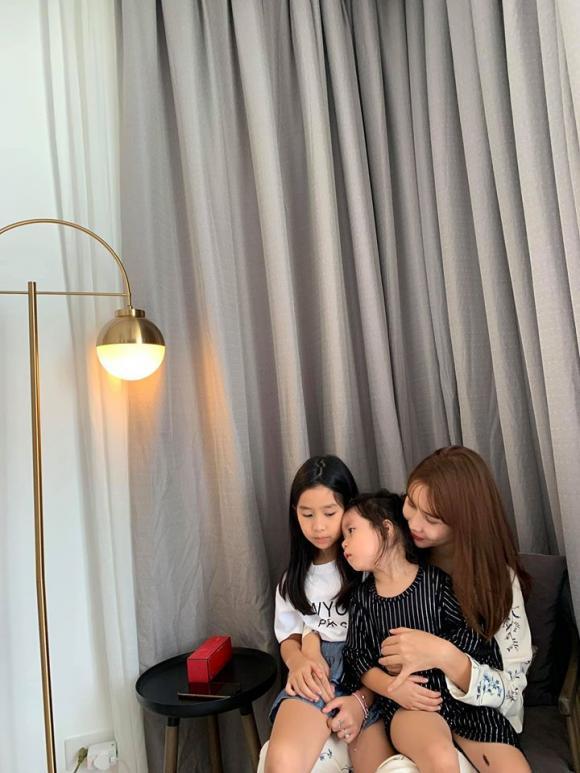 Lưu Hương Giang nhận xét về con gái: Bà 8 tuổi mặt già như bà 36