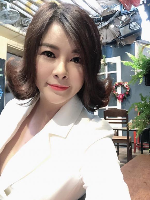 Diễn viên Kim Oanh hiếm hoi đăng hình ảnh con gái đáng yêu