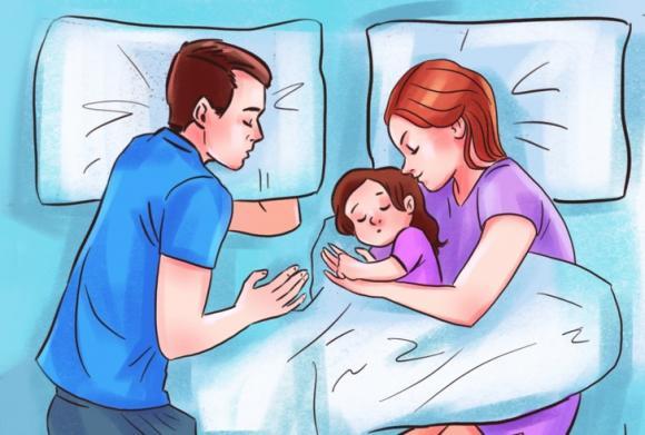 chăm sóc trẻ đúng cách, lưu ý khi chăm sóc trẻ, trẻ ngủ cùng cha mẹ