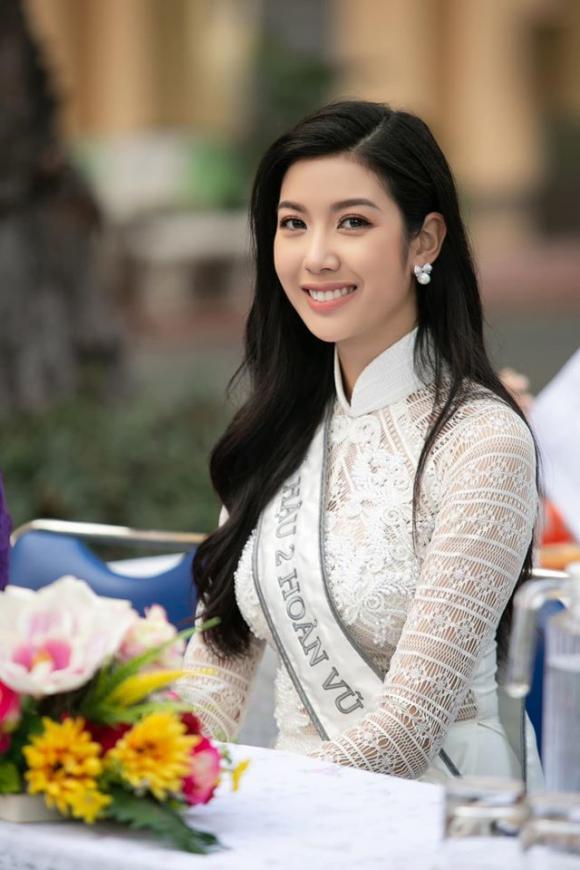 Bị hỏi 'sao không mang sash Á hậu Quốc tế mà mang Á hậu 2', Thuý Vân trả lời khéo léo