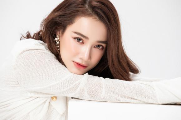 diễn viên Nhã Phương, sao Việt, danh hài Trường Giang