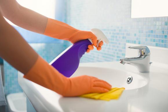 vệ sinh phòng tắm, tẩy vết bẩn, bồn cầu, mẹo hay