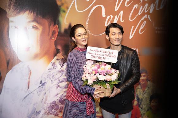 Ca sĩ Phạm Quỳnh Anh, Ưng Hoàng Phúc, ca sĩ Lam Trường, sao Việt