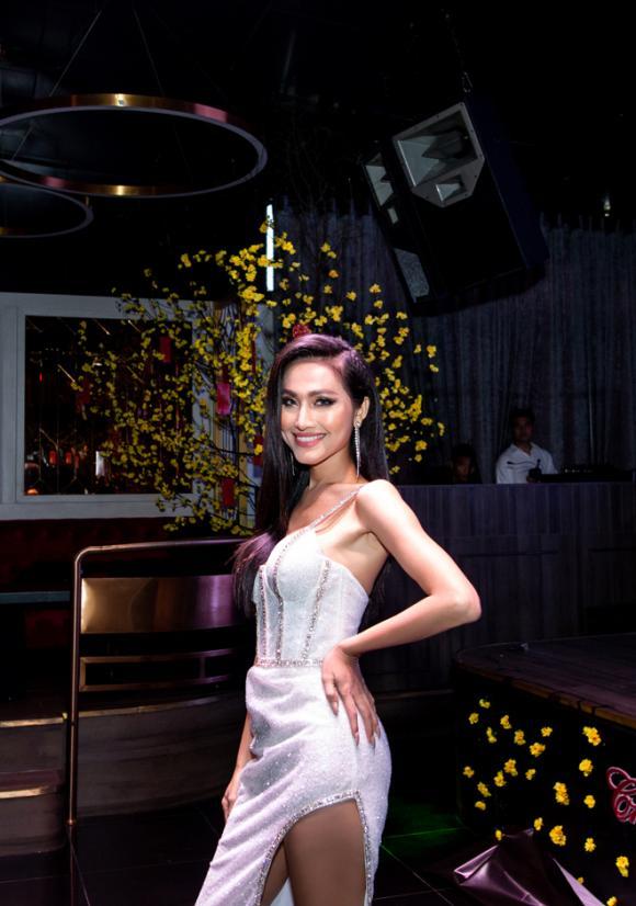 hoa hậu Hoài Sa, ca sĩ Trọng Hiếu, sao Việt