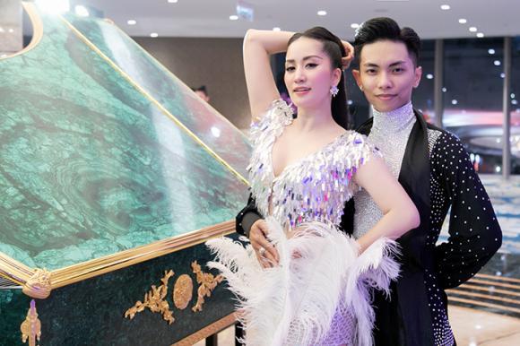 Khánh Thi, Phan Hiển, sao Việt
