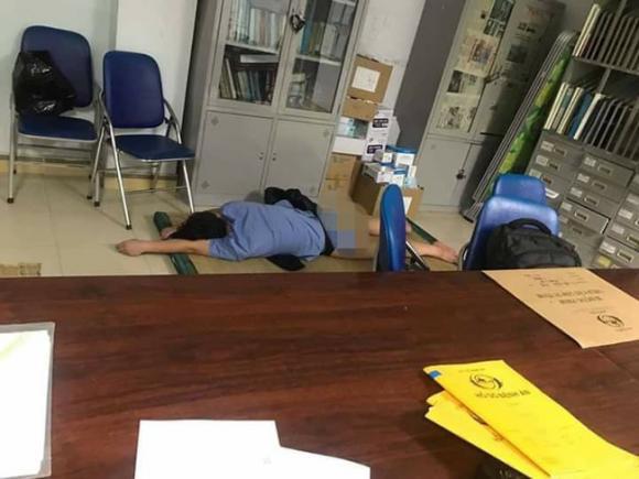 Nghệ An, bác sĩ ôm sinh viên ngủ, Bệnh viện Hữu nghị Đa khoa Nghệ An, bác sĩ