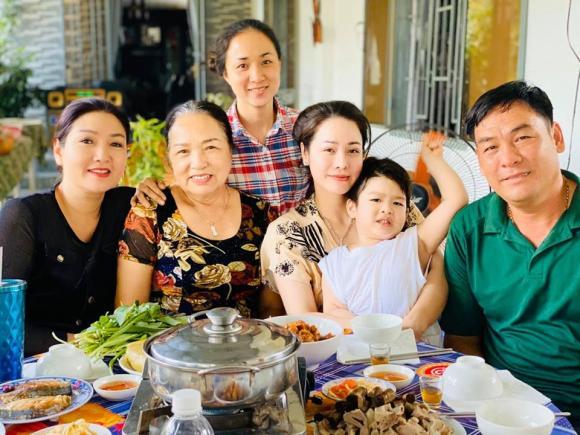 Nhật Kim Anh, diễn viên Nhật Kim Anh, con trai Nhật Kim Anh, sao Việt