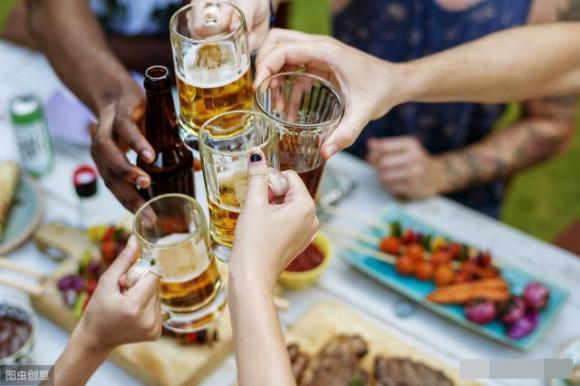 5 hành động sau khi uống rượu có thể 'đánh đổi bằng cả tính mạng'