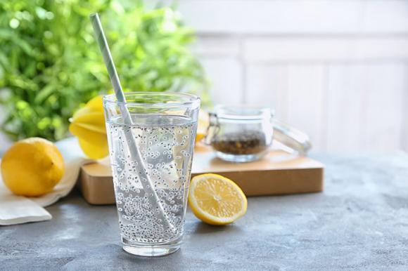 Học ngay công thức pha nước giảm cân thần thánh từ mật ong và hạt chia