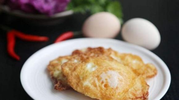 dạy nấu ăn, chiên trứng, ốp trứng, mẹo nấu ăn