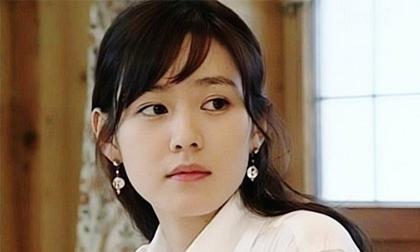 Kim Hee Ae,Son Ye Jin,Kim Hee Ae đụng hàng Son Ye Jin,sao Hàn