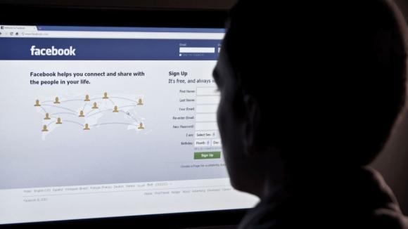 mạng xã hội, Facebook, thu thập dữ liệu