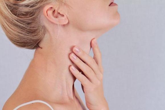 Ung thư tuyến giáp phổ biến ở phụ nữ, nếu thấy 6 biểu hiện này cần phải cẩn thận