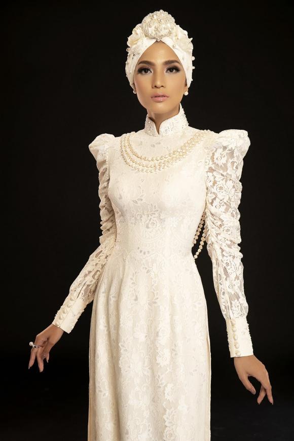 Á hậu Trương Thị May lăng xê mốt áo dài quấn khăn Turban