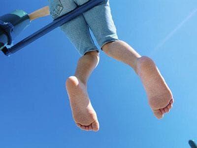 để chân trần, đi giày không tất, bệnh chân
