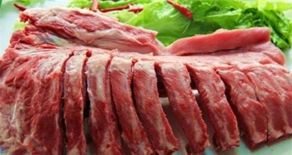 Khi làm sườn heo om, nếu muốn thịt mềm và giòn, hãy chú ý đến 'chi tiết' này khi chiên