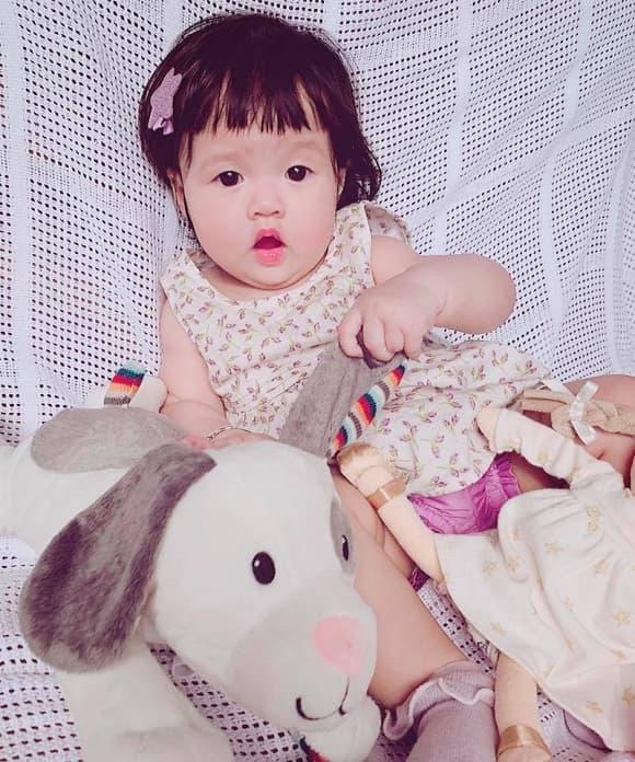 hoa hậu Đặng Thu Thảo, con gái đặng thu thảo, sao Việt