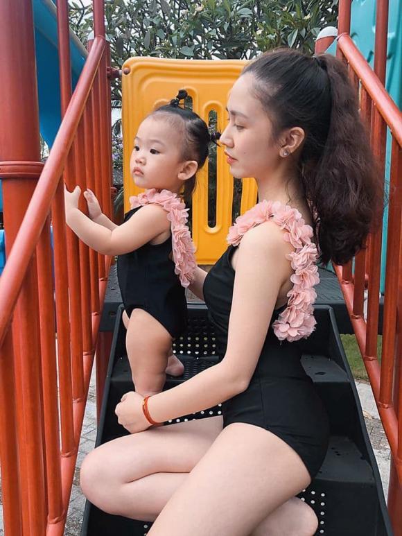 sao Việt, bikini một mảnh đính hoa, Lan Khuê, Hải Băng