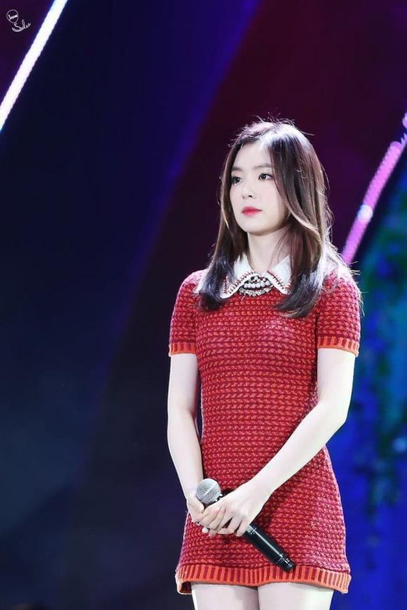Trang phục biểu diễn ngày càng ngắn đến 'thảm thương' của sao nữ Hàn