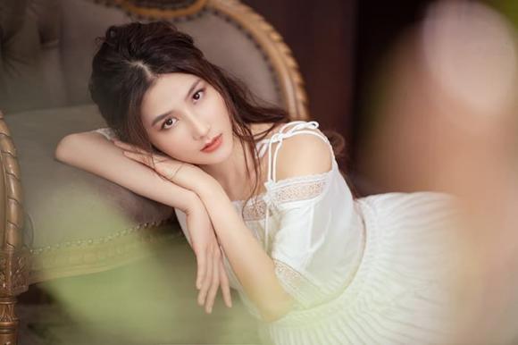 Diễm My 9X, Lã Thanh Huyền, Huyền Lizzie, sao Việt